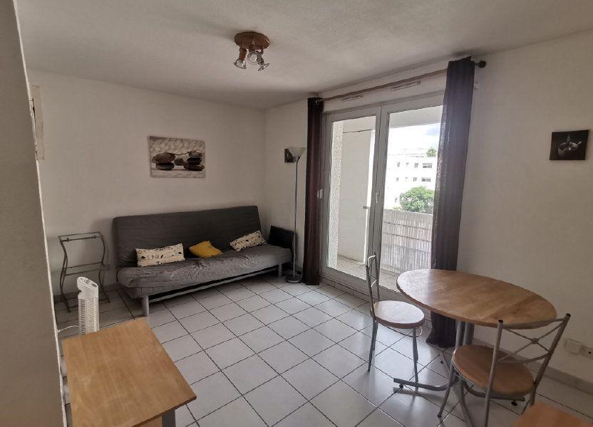 Appartement à louer 21.76m2 à Nîmes