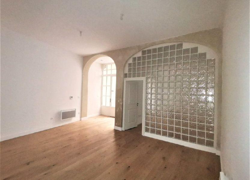 Appartement à louer 56m2 à Nîmes