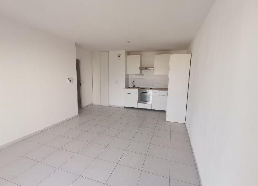 Appartement à louer 60.25m2 à Nîmes