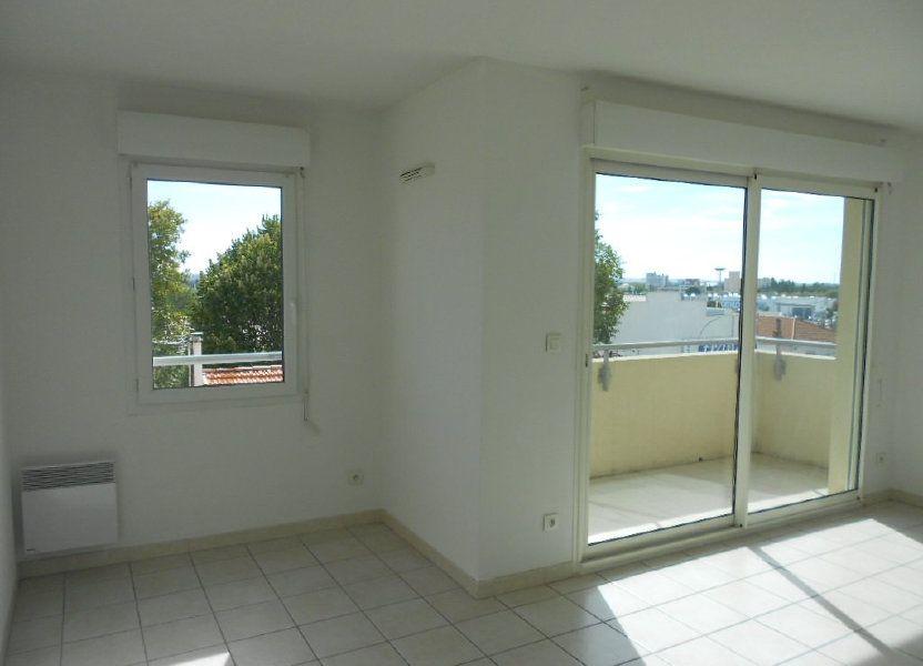 Appartement à louer 46.9m2 à Nîmes