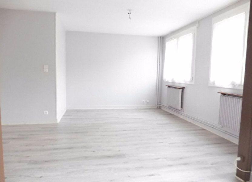 Appartement à louer 75.6m2 à Fleury-les-Aubrais