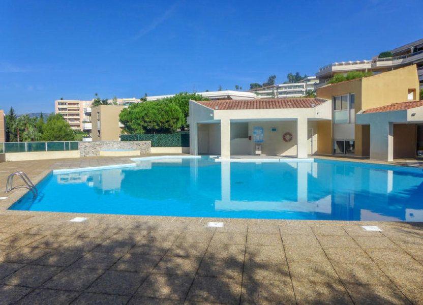 Appartement à louer 23.56m2 à Nice