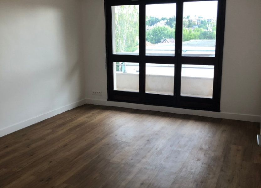 Appartement à louer 70.02m2 à Sceaux