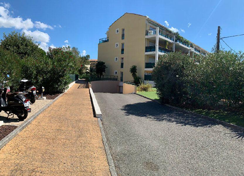 Appartement à vendre 101m2 à Fréjus