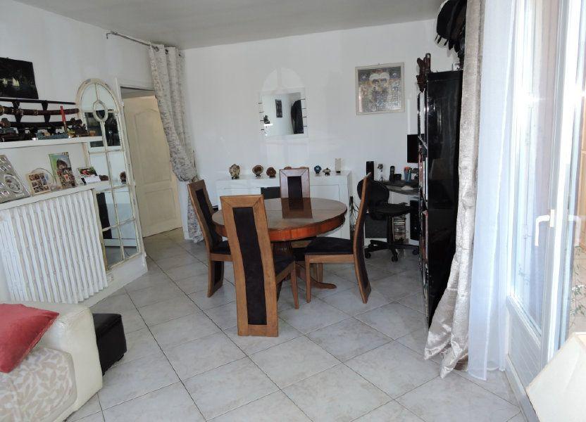 Appartement à vendre 63.72m2 à Fréjus