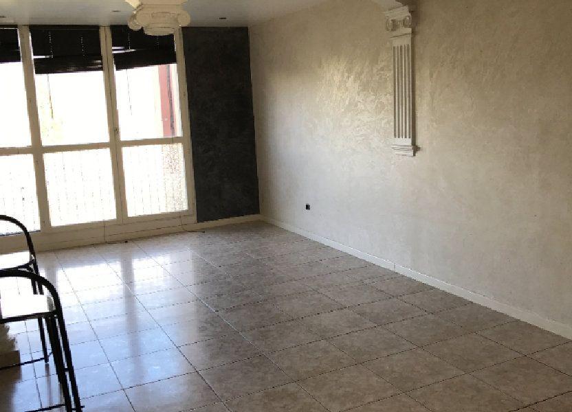Appartement à louer 67m2 à Carros