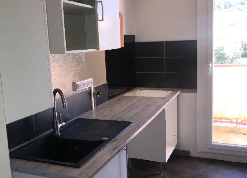 Appartement à louer 47m2 à Carros