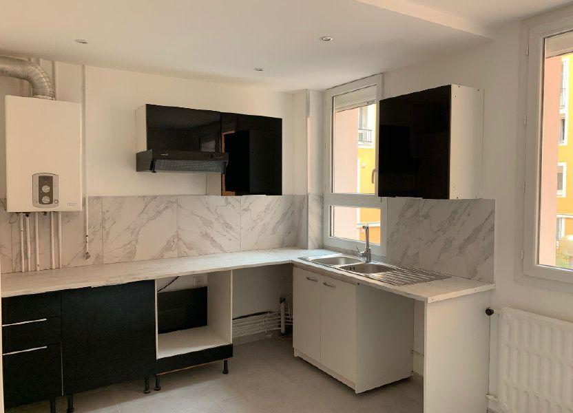 Appartement à louer 70.28m2 à Carros
