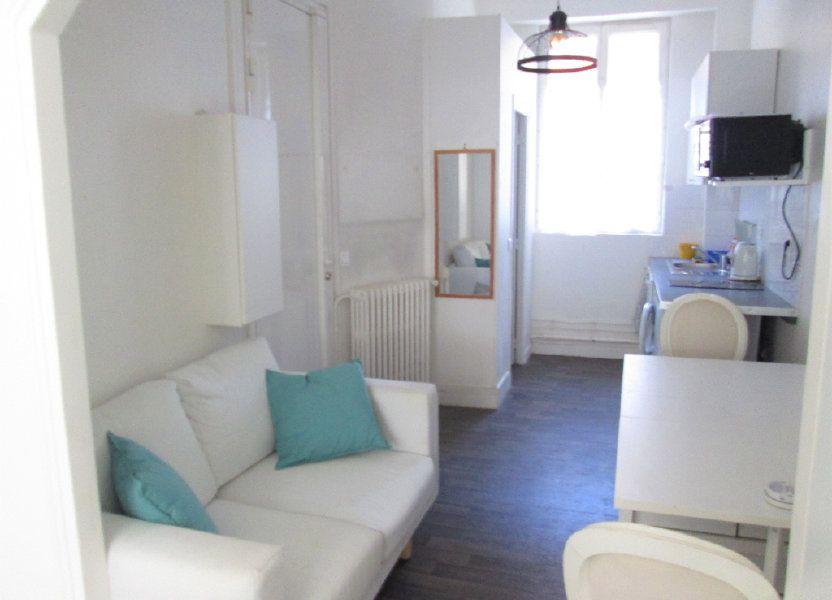Appartement à louer 21.96m2 à Clamart
