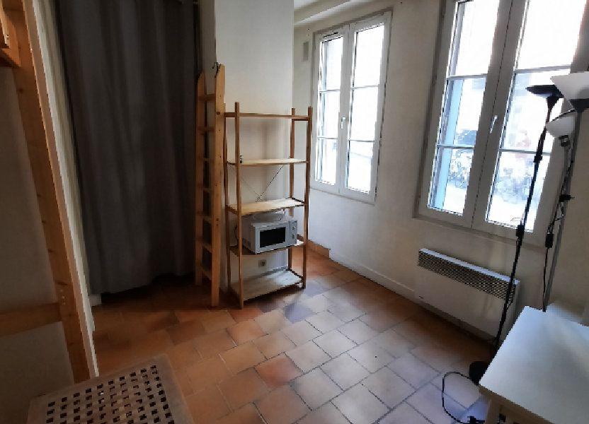 Appartement à louer 12m2 à Paris 19