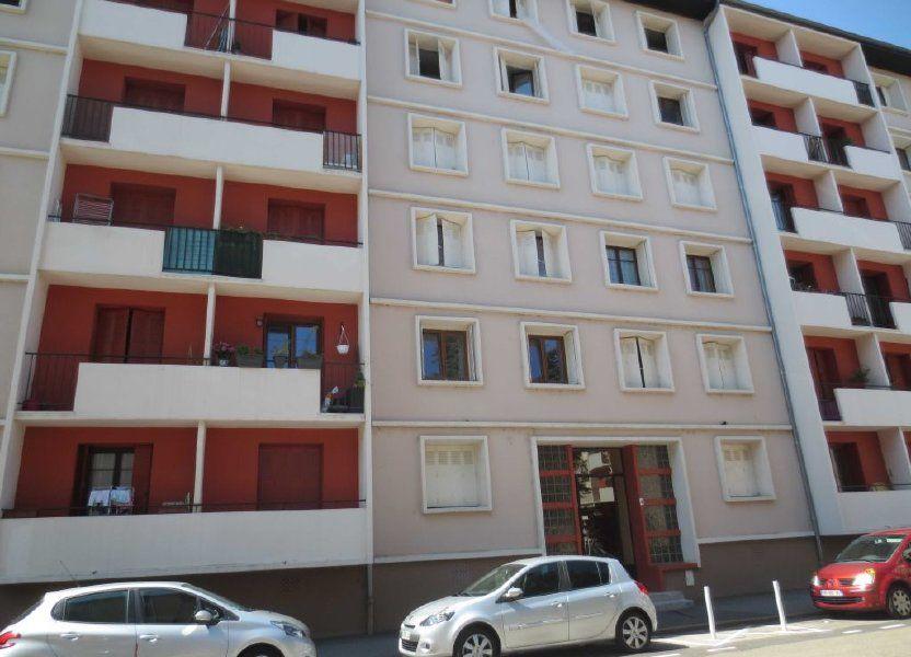 Appartement à louer 56.72m2 à Villeurbanne
