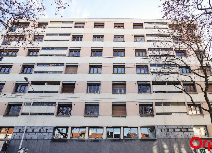 Appartement à louer 75.09m2 à Lyon 3