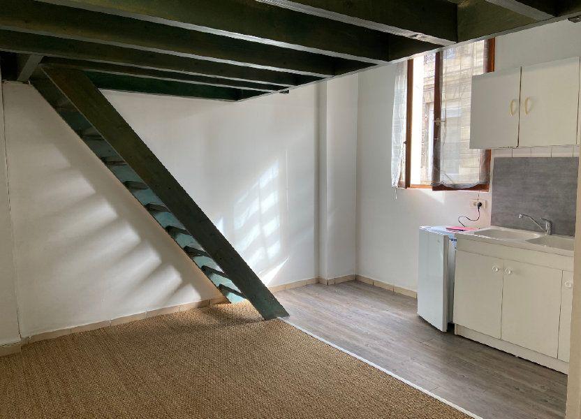 Appartement à louer 27m2 à Talence