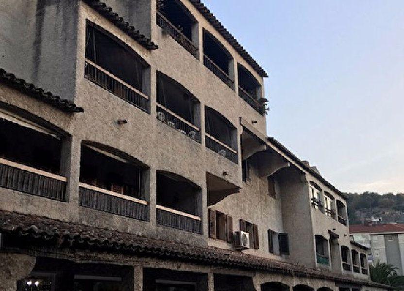 Appartement à louer 68m2 à Le Beausset