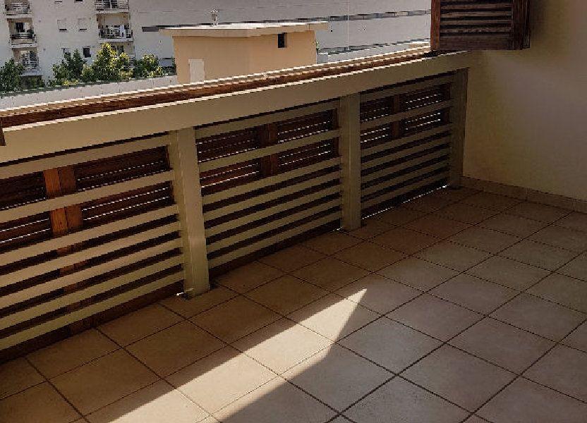 Appartement à louer 68.03m2 à Toulon
