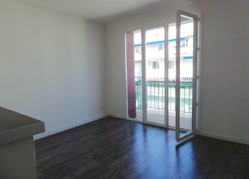 Appartement à louer 53.95m2 à Toulon