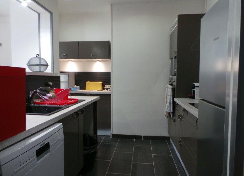 Appartement à louer 82.3m2 à Toulon