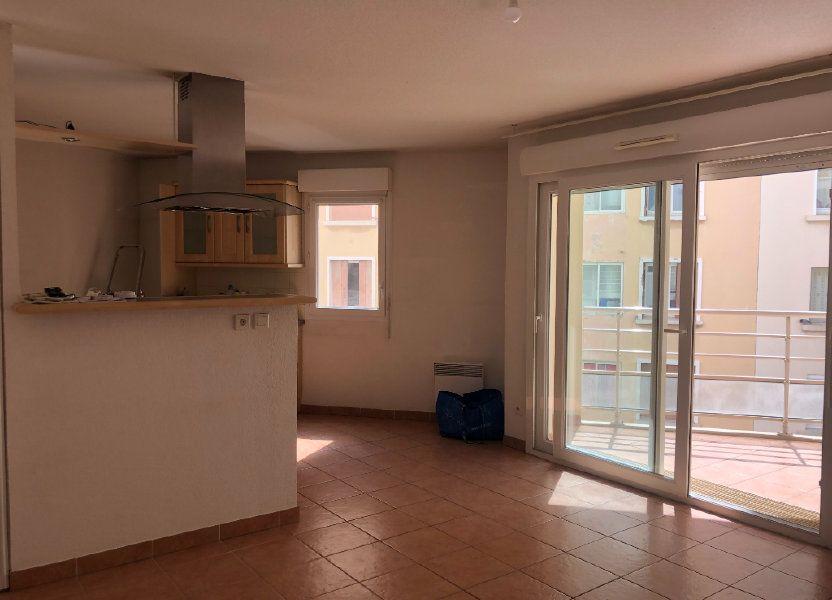 Appartement à louer 60.09m2 à Toulon