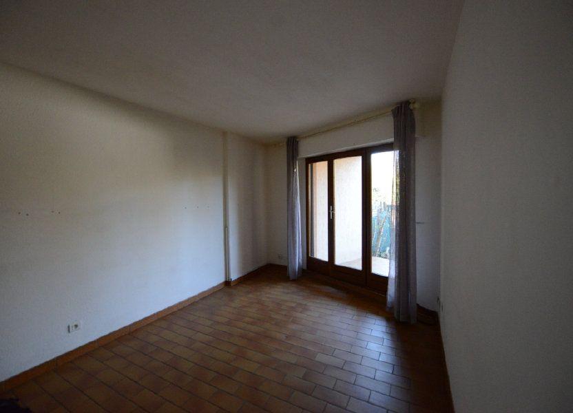 Appartement à louer 27m2 à Grasse