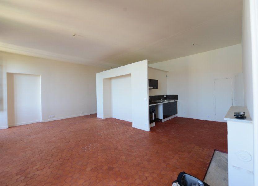 Appartement à louer 51m2 à Grasse