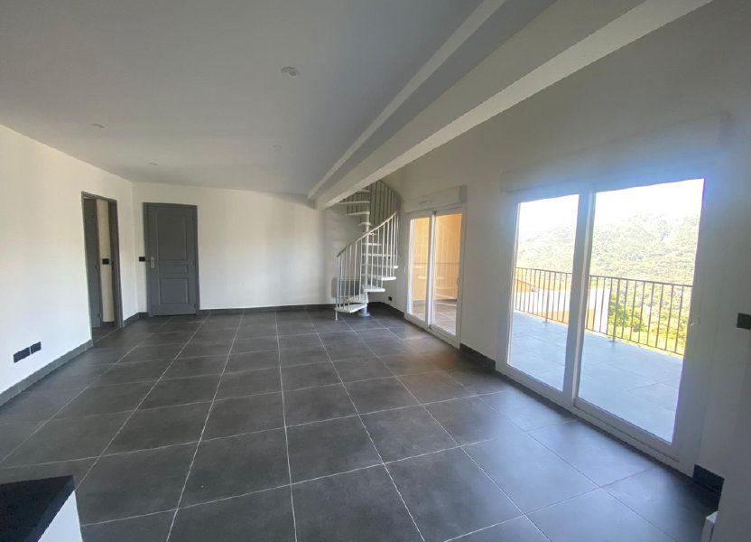 Appartement à louer 73m2 à Contes
