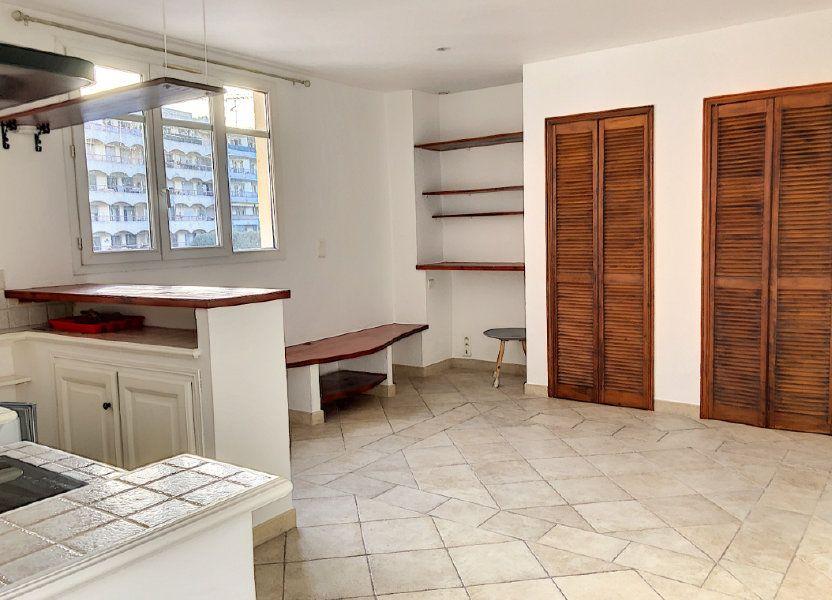 Appartement à louer 27m2 à Cagnes-sur-Mer