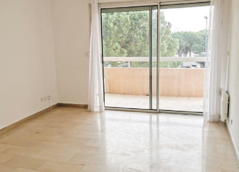 Appartement à louer 61m2 à Fréjus