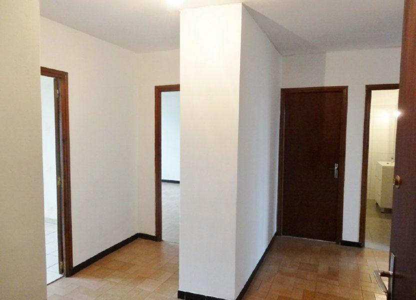 Appartement à louer 72m2 à Saint-Juéry