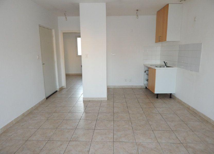 Appartement à louer 35m2 à La Fare-les-Oliviers