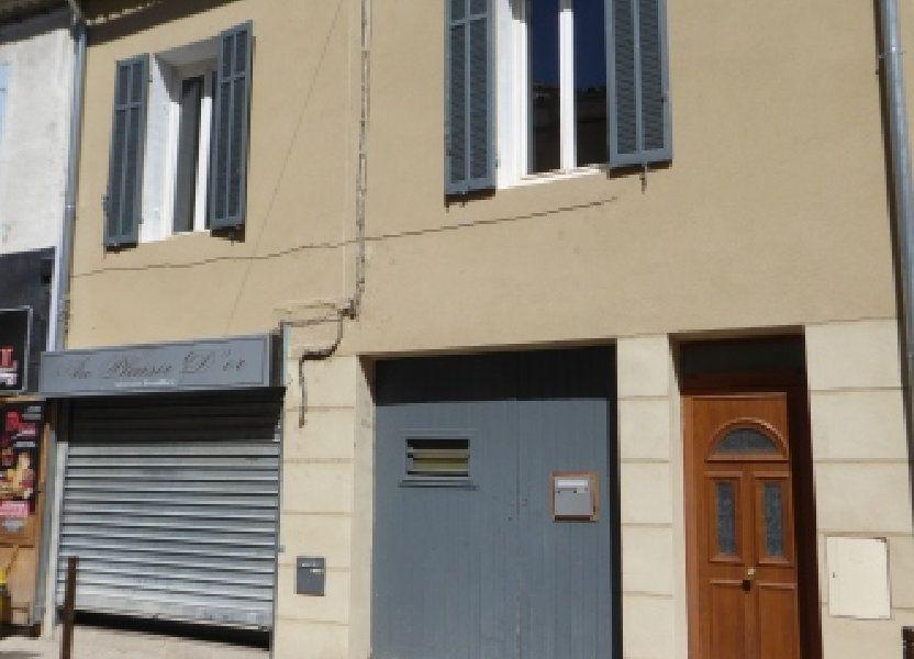 Appartement à louer 66.79m2 à Pélissanne