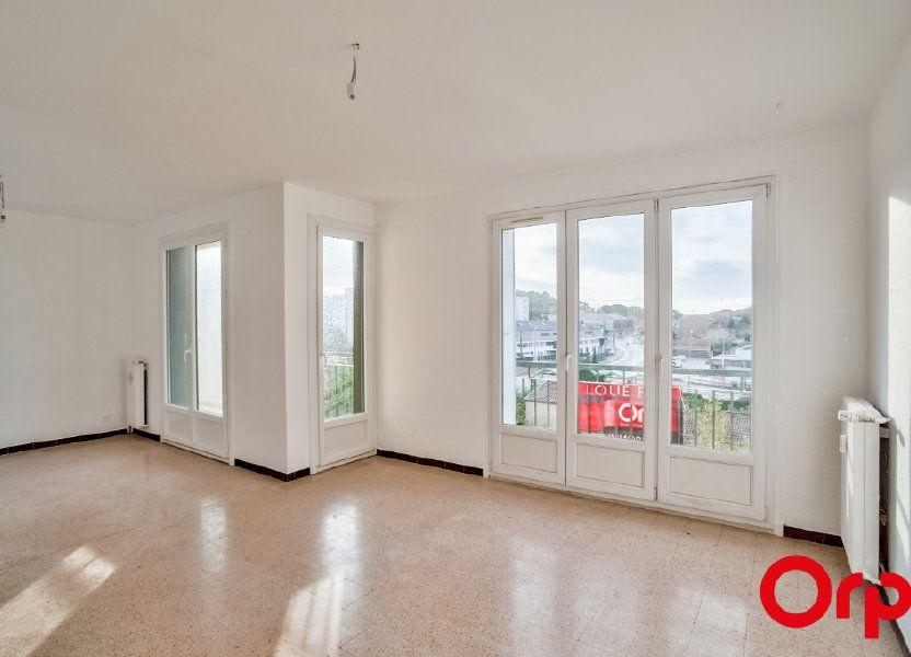 Appartement à louer 66.79m2 à Salon-de-Provence