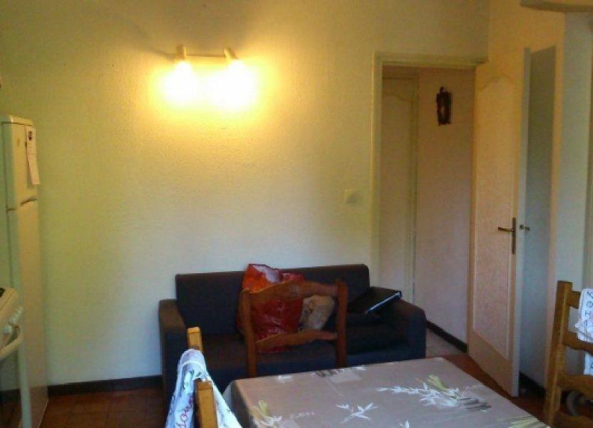 Appartement à louer 50m2 à Grans