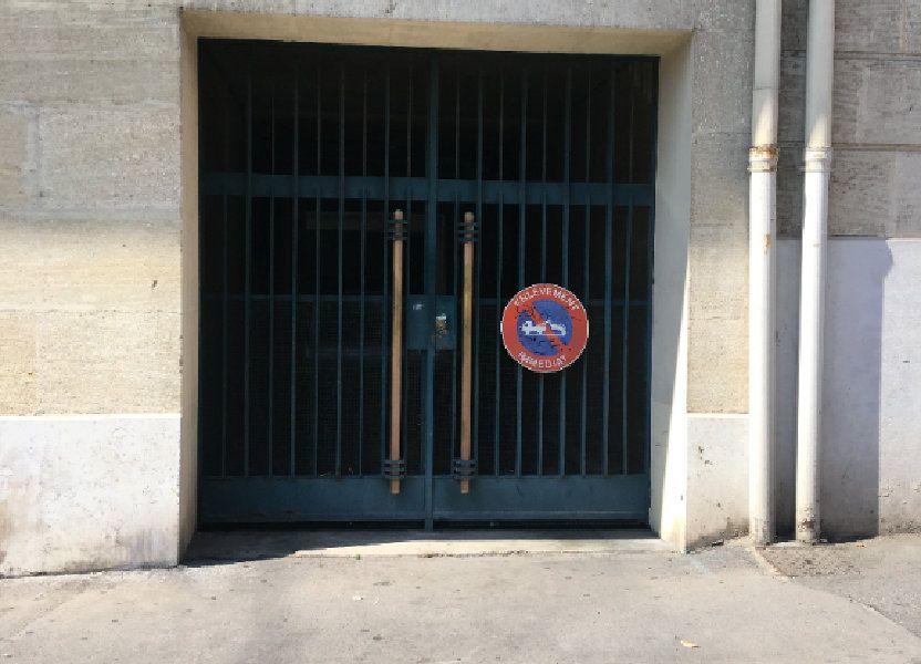 Stationnement à vendre 12m2 à Marseille 8