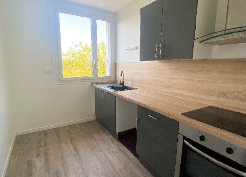 Appartement à louer 61.61m2 à Alençon