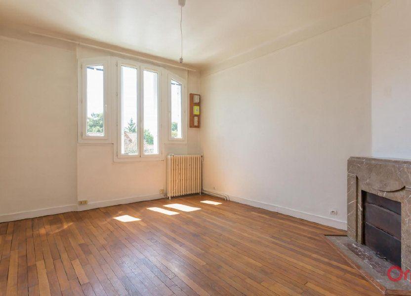 Appartement à louer 57.43m2 à Sainte-Geneviève-des-Bois