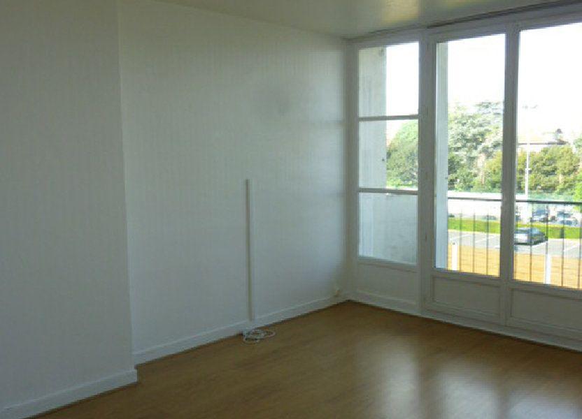Appartement à louer 53.09m2 à Sainte-Geneviève-des-Bois