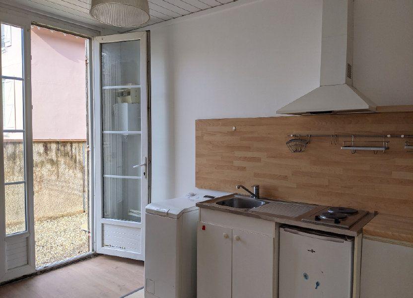 Appartement à louer 21.49m2 à Sainte-Geneviève-des-Bois