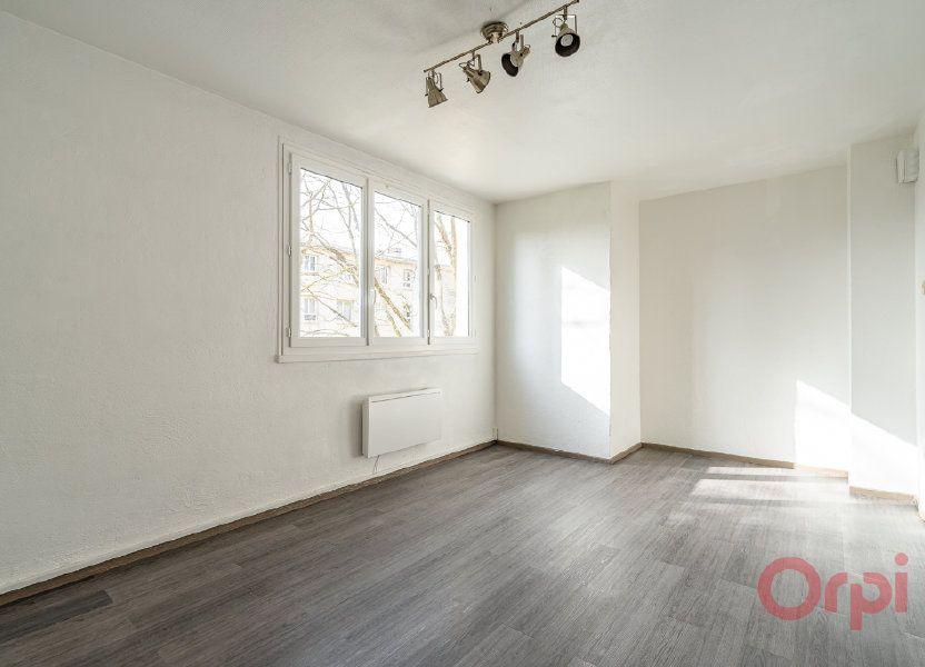 Appartement à louer 55.83m2 à Sainte-Geneviève-des-Bois