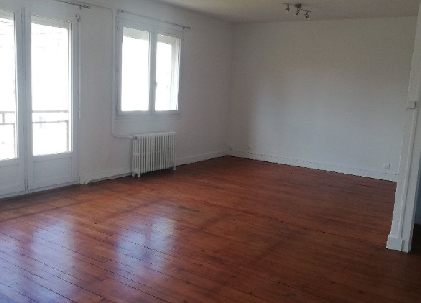 Appartement à louer 73m2 à Saint-Astier