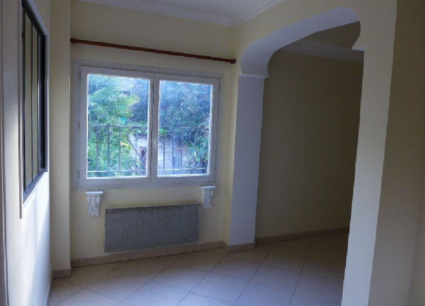 Appartement à louer 38m2 à Nay