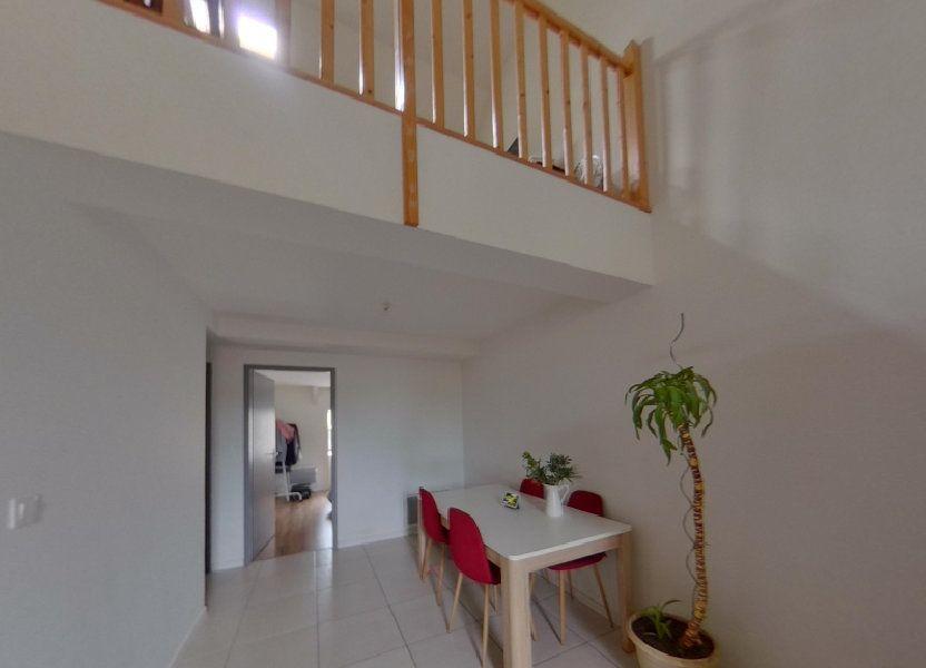 Appartement à louer 74m2 à Nay