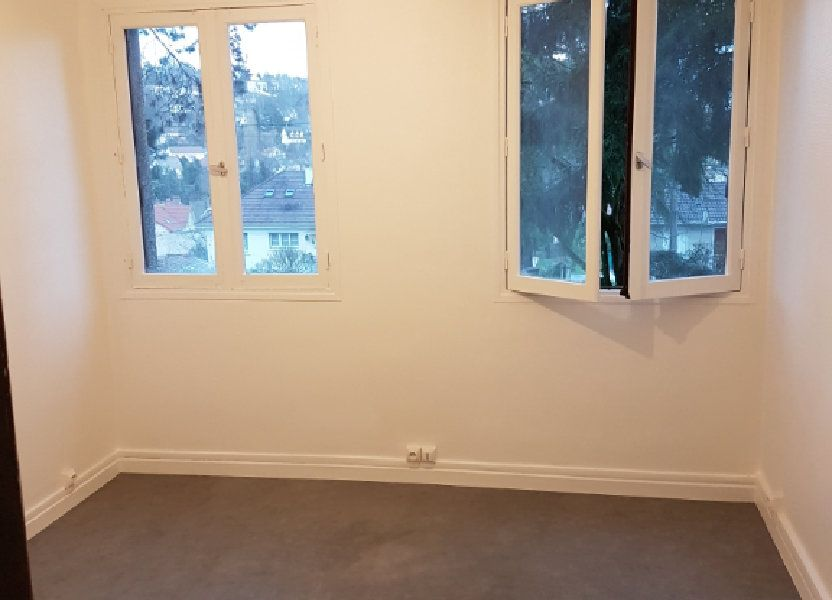 Appartement à louer 10.38m2 à Orsay