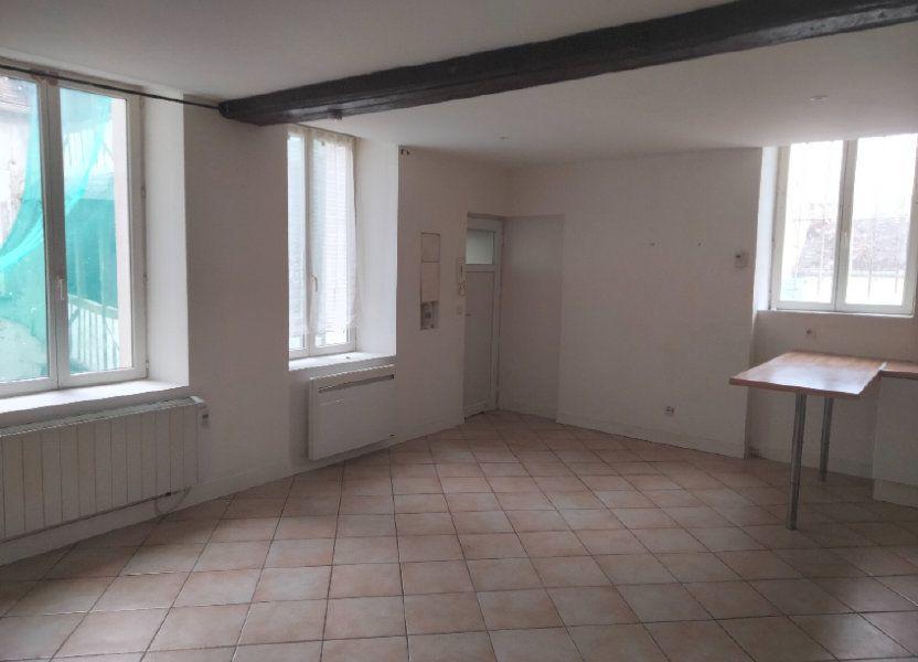 Appartement à louer 55.26m2 à Nemours