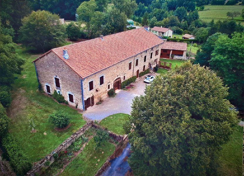 Maison à vendre 700m2 à Les Salles-Lavauguyon