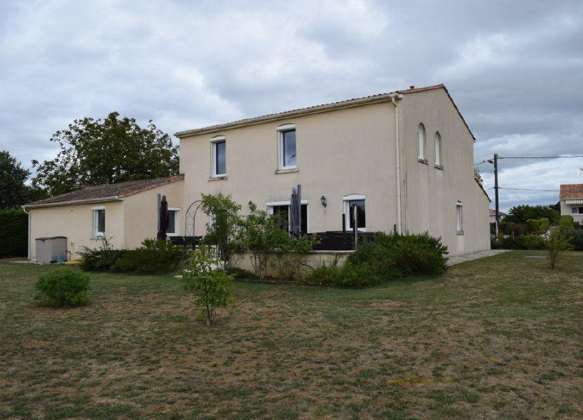 Maison à vendre 221m2 à Saint-Angeau