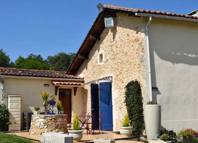 Maison à vendre 350m2 à Montbron