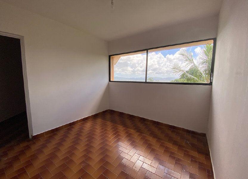 Appartement à louer 72m2 à Fort-de-France