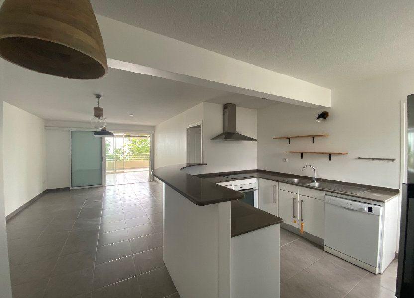 Appartement à louer 85.6m2 à Fort-de-France