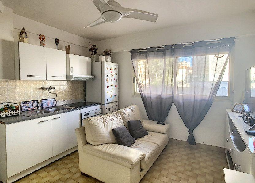 Appartement à louer 28.83m2 à Antibes