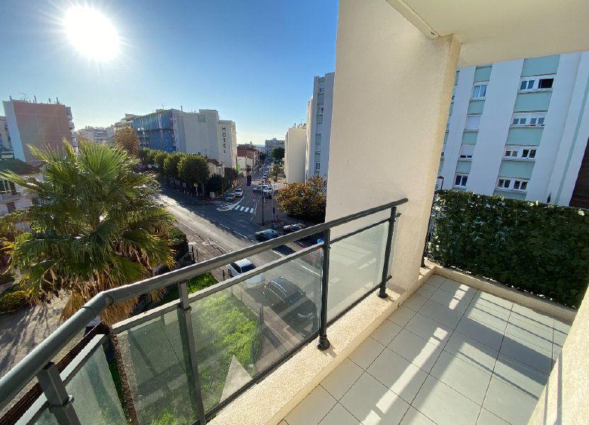 Appartement à louer 69.23m2 à Antibes
